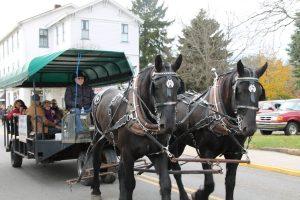 Christmas Market - Horses 2